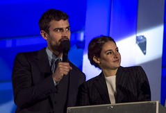 Theo James & Shailene Woodley (HanWhittle) Tags: world red london industry film square carpet lights james actors leicester famous fame cameras writers actress celebrities theo premiere producers directors woodley insurgent sheo shailene insurgentworldpremiere