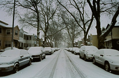 neighborhoood (Yun-Chen Jenny) Tags: nyc newyorkcity winter snow brooklyn   neightborhood suberb