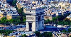 Arc de Triomphe de Paris (Lior. L) Tags: city travel paris france history monument architecture europe arcdetriomphe