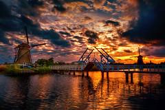 Evening in Kinderdijk (radonracer) Tags: holland kinderdijk niederland niederande