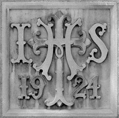 IHS 1924 (Will S.) Tags: bw toronto ontario canada church symbol churches christian christianity mypics anglican protestant ihs symbolism protestantism anglicanism stclementsanglicanchurch