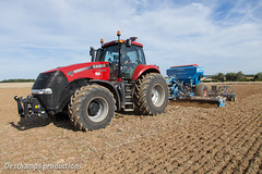 Case IH Magnum 290 (Deschamps productions) Tags: tractor seed 9 rape case drill magnum tracteur ih semis 290 colza seeding solitair lemken semoir
