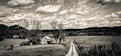 LaRue County Farm (Bob G. Bell) Tags: farm abandoned clouds bw road rural scenic kentucky laruecounty hodgenville bobbell leica enteredinsyb