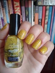 Pitadinha - Colorama (Mari Hotz) Tags: glitter amarelo esmalte colorama gliter