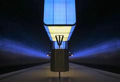 platform.blue. (HansEckart) Tags: colour underground hamburg bahnhof indoor ubahn architektur blau hvv verkehr perspektive bahnsteig hafencity