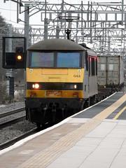 Bletchley (DarloRich2009) Tags: miltonkeynes buckinghamshire fl bucks mk bletchley freightliner class90 westcoastmainline wcml 90044 bletchleystation bletchleyrailwaystation