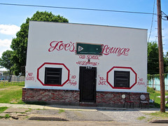 Joe's Lounge, Greenville, MS (Robby Virus) Tags: door old school windows building pool bar mississippi pub closed no lounge alcohol tavern booze billiards guns knives joes greenville loitering boozer profanity