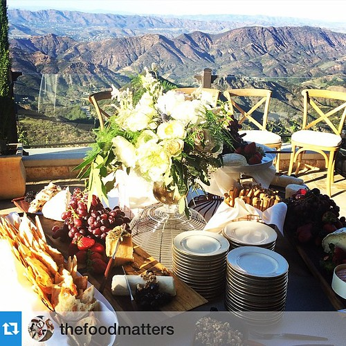 Such a stunning event w/ these fabulous people yesterday! #Repost @thefoodmatters・・・The fun is about to begin with @bethhelmstetter @200proof @maliburockyoaks #staffing #eventlife #events #Malibu #200ProofLA #200Proof