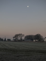 Morgenstimmung (Peter L.98) Tags: morning moon canon morgen dortmund s110 projekt365