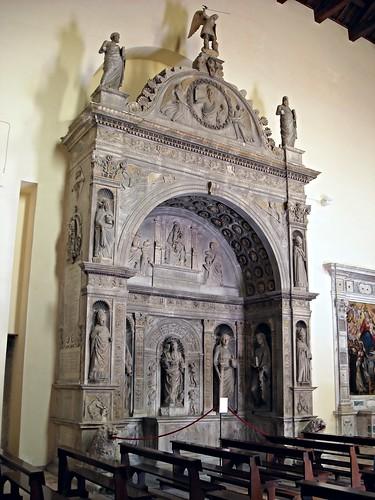 Miroballo Chapel (2nd half 15th century) attributed to Jacopo della Pila, Tommaso and Giovan Tommaso Malvito, Pietro e Francesco from Milan - Church of San Giovanni a Carbonara in Naples