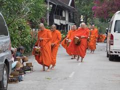 Morgendliche Almosen-Runde in Luang Prabang