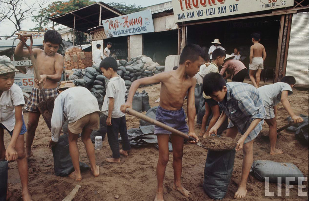 1968 Saigon Story... by Larry Burrows