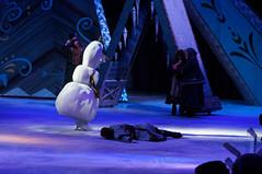 Olaf & Hans  - Disney On Ice Frozen (DDB Photography) Tags: show anna ice goofy mouse photography olaf frozen duck photographer hans feld disney mickey skate figure mickeymouse characters minnie minniemouse sven donaldduck elsa ddb waltdisney iceshow kristoff disneyonice disneycharacters figureskate disneypictures disneyphoto feldentertainment ddbphotography elsathesnowqueen disneyonicefrozen