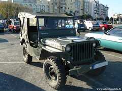 Mensuelle La Rochelle - Jeep (Deux-Chevrons.com) Tags: auto france classic car classiccar automobile jeep automotive voiture coche oldtimer larochelle willys ancienne classique jeppwillys