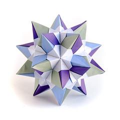 No name #origami #kusudama from Peter Keller's paper (_Ekaterina) Tags: blue green paper origami violet paperfolding modularorigami kusudama unitorigami peterkeller ekaterinalukasheva