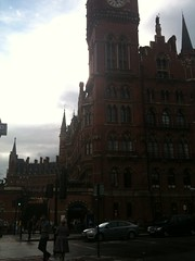 St. Pancras Train Station (Assaf Shtilman) Tags: building station st architecture train pancras