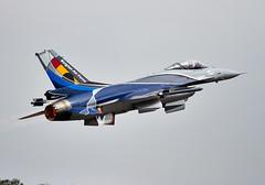 F-16 Falcon (Bernie Condon) Tags: uk tattoo plane flying fighter martin display aircraft aviation military airshow f16 falcon lm bomber lockheed warplane airfield ffd fairford raffairford airtattoo fightingfalcon