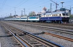 DF11-0116  Peking  15.04.99 (w. + h. brutzer) Tags: china analog train nikon eisenbahn railway zug trains locomotive peking lokomotive diesellok df11 eisenbahnen dieselloks webru