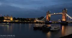 Torre de Londres e Ponte da torre ao anoitecer (Nuno Camejo) Tags: uk inglaterra bridge england london tower rio river de torre dusk united kingdom ponte da londres anoitecer