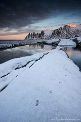 DSC_4194 (www.figedansletemps.com) Tags: mountain snow seascape norway montagne sunrise traces footprints neige scandinavia senja leverdesoleil norvge tungeneset