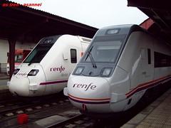598 599 El relevo. 599 003 (asannei) Tags: train tren rail railway ferrocarril renfe 599 adif ffcc 598 5922 mediadistancia automotordiesel