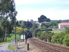 598 (asannei) Tags: train tren rail railway ferrocarril renfe adif ffcc 598 mediadistancia automotordiesel