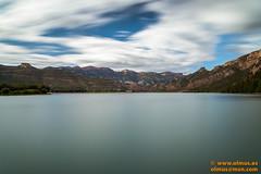 DSC02109.jpg (avi_olmus) Tags: espaa primavera agua paisaje pantano nubes catalunya es filtros lrida camarasa p2404 largaexposicion santllorencdemontgai