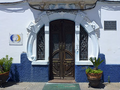 Fachada de Reguengos de Monsaraz (John LaMotte) Tags: fachada puerta porta portugal door modernismo infinitexposure ilustrarportugal