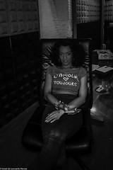 Carol & Jota Mayuscula (31 de 35) (ISRAEL (BURMI)) Tags: blanco y negro estudio hiphop jota grabacion monocromtico mayuscula jotamayuscula israeldeleonardonovoa carolmenezes masgravesestudio