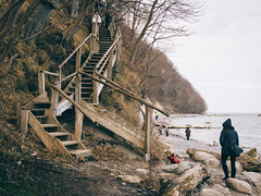 Baltica 2016 (tinto) Tags: stairs nationalpark olympus balticsea treppe staircase f18 rgen ostsee prerow omd 25mm kreidefelsen m43 em10 mft dars jasmund holztreppe vsco microfourthird mzuiko vscofilm mzuiko25mm18 mzuiko25mm tintography baltica2016