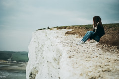 It's between you, me and the sea. (Manon Vacher) Tags: uk sea cliff film analog 35mm escape britain away canonae1 portra analogphotography argentique filmphotography fd50mm18 overthecliff filmcommunity filmfilmforever manonvacherphotographie