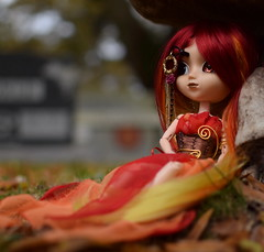 Beautiful Lady (twilitize) Tags: camera cute art beautiful beauty cemetery photography cool doll dolls awesome adorable cutie pop pullip playtime dolly popular darling pullips dollphotography pullipphotography