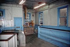 CTA Wells station interior 4 Nov 93 (jsmatlak) Tags: chicago station electric train subway cta metro loop railway wells madison l elevated rapidtransit