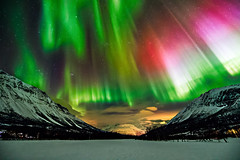 Aurora in Kitdalen (Wayne Pinkston) Tags: nightphotography night landscape aurora nightsky northernlights auroraborealis canon1dx waynepinkston lightcraftercom wwwlightcraftercom