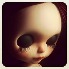 New Pimienta #socalledblythecustomdolls #socalledblythe #customblythe by @socalledanna #blythedoll #bigeyesdoll #bigeyes #blythedoll #blythestagram #freckledblythe
