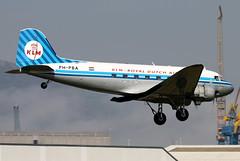PH-PBA_09 (GH@BHD) Tags: vintage aircraft aviation piston vin klm douglas dc3 dakota airliner c47 dda bhd propliner royaldutchairlines belfastcityairport dutchdakotaassociation phpba