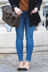 London Lookbook   Episode 4 (MartaCanga) Tags: street city blue woman black girl look fashion hair bag outfit cool shoes legs style blogger spanish chanel streetstyle ukblogger youtuber martacanga fblogger sblogger