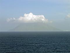 Stromboli - IMG_5343 (Captain Martini) Tags: cruise cruising stromboli tyrrheniansea cruiseships hollandamericaline koningsdam