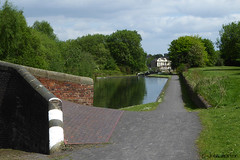 Brindley Canal, Smethwick (Row 17) Tags: uk greatbritain england heritage canal unitedkingdom britain path engineering canals gb footpath westmidlands waterway towpath waterways blackcountry historicsite smethwick