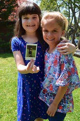 Irene And Violet Reliving A Moment From The Last Day Of School (Joe Shlabotnik) Tags: irene violet 2016 june2016 afsdxvrzoomnikkor18105mmf3556ged faved