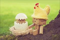 Happy-Easter-2 (K a r 3 n) Tags: chicken easter happy egg kaiyodo yotsuba danbo canonfd50mmf35macro revoltech mflenses a6000 danboard