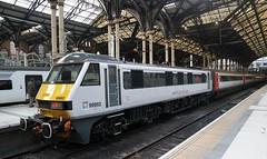 "UK, London Liverpool Street Station, Class90 002 ""Eastern Daily Press"". (Nik Morris (van Leiden)) Tags: loco liverpoolstreetstation brel class90 abellio 90002 nx30 samsungnx30 greateranglia"