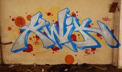 Graffiti, ancienne manufacture de tabac (thierry llansades) Tags: street urban streetart colors wall graffiti couleurs cigarette graf urbanart ruine tabac abandon graff aerosol mur couleur usine murs abandonned graffitis fresque manufacture ruines urbex abandonné graffs graphisme grafs ouest fresques urbex2015 urbe2015
