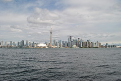 CN Tower, Rogers Stadium and Toronto City (Cocamacola) Tags: city lake toronto canada island cntower stadium torontoisland rogers lakeontario rogerscentre