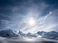 Los Pirineos. (Huella4) Tags: winter sunset sky naturaleza snow cold atardecer dawn twilight nieve nevada colores amanecer nubes invierno crepusculo turismo francia senderismo ocaso frio montaas aventura pirineos montaismo huella4 conchireyes