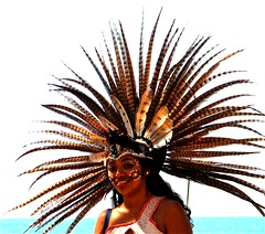 Una chica emplumada (Marcia Portess-Thanks for a million+ views.) Tags: portrait woman girl beauty mexico mujer map retrato feathers puertovallarta bailarina headdress hermosura plumas azteca muchacha dancetroupe grupodedanza featheredheaddress marciaportess marciaaportess unachicaemplumada grupodedanzaazteca