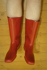 Vintage Dunlops (essex_mud_explorer) Tags: red vintage boots wellington welly wellies rainwear gummistiefel wellingtons gumboots dunlop rainboots