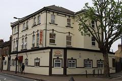 The Common Gate, 131 Markhouse Road, E17 (Tetramesh) Tags: uk greatbritain england london pub unitedkingdom britain londres gb londra londen londinium lontoo llondon publichouse deadpub londone londyn llundain londn  lunnainn londain londono closedpub tetramesh londrez  loundres londr lndra