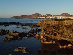 P1051375 (alejandravegamartn) Tags: paisaje landscape places lugares gran canaria las canteras playa beach human humano seor hombre teide mar oceano ocean instantes instants barco boad