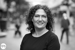 Sibel (Frankhuizen Photography) Tags: street portrait bw woman white black netherlands look amsterdam dof looking posed depthoffield portret zwart wit sibel straat zw abn amro 2016 kse geposeerd